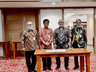 Dirjen PKH dan perwakilan integrator usai Rapat Koordinasi (Foto: Dok. Kementan)